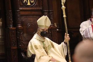 Pasqua a Napoli, messa dell'arcivescovo Battaglia al Monaldi il Giovedì Santo. Via Crucis in Duomo
