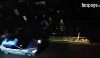 Napoli, insulti alla polizia che tenta di disperdere assembramenti in centro