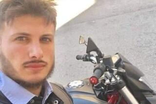 Doppio incidente sulla Napoli-Salerno: morto motociclista di 31 anni. Soccorritore investito da un'auto