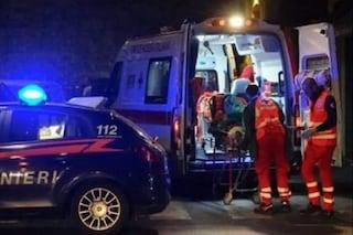 Sangue all'alba a Napoli, 21enne accoltellato dopo aver accompagnato a casa la fidanzata