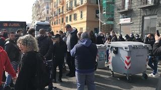 """Covid, i ristoratori di Napoli in piazza: """"Siamo disperati, non vogliamo chiudere a Pasqua"""""""