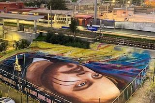 A Bagnoli maxi-murale di Jorit per il rapper Pablo Hasel arrestato in Spagna
