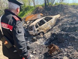 Giugliano, smontano le auto e poi incendiano le carcasse: 300 veicoli dati alle fiamme