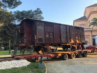 A Bacoli in mostra il vagone di un treno che trasportava gli ebrei nei campi di sterminio
