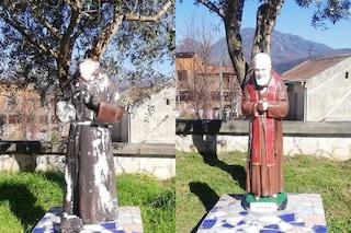Distrutta la statua di Padre Pio a Mercato San Severino: tagliate la testa e un braccio