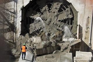Metro Linea 1, talpa meccanica gigante scava il tunnel Capodichino-Poggioreale