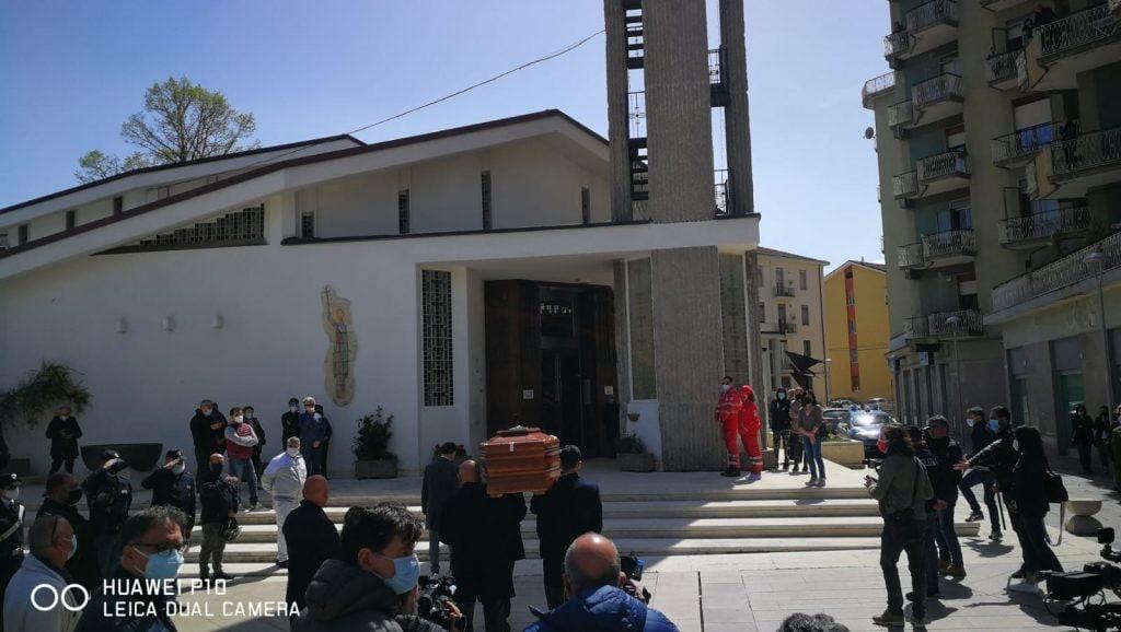 I funerali di Aldo Gioia nella chiesa di San Ciro ad Avellino.