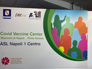 Vaccino Covid Campania, apre hub per i lavoratori dei trasporti a Porta Nolana dal 3 maggio