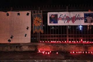 Rione Salicelle di Afragola, centinaia in strada per l'addio a Filippo: morto di Covid a 19 anni