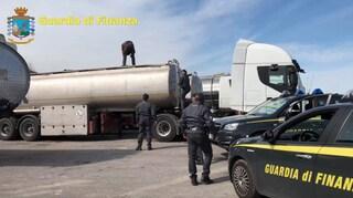 Riciclaggio di petrolio, maxi-blitz dell'Antimafia: coinvolte 70 persone, sequestri per un miliardo