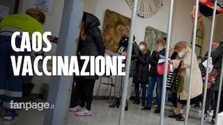 Vaccini Covid, lunghe file a Cava de' Tirreni: anziani in attesa diverse ore all'hub