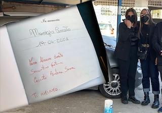 """Torre Annunziata, silenzio e lacrime alla manifestazione in ricordo di Maurizio. La dedica della famiglia: """"Ti amiamo"""""""