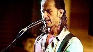 Lutto a Eboli, è morto il prof - chitarrista Gianmaria Pastore, aveva 40 anni