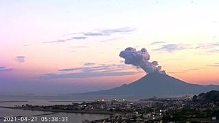 Erutta il vulcano Sakurajima: è il Vesuvio di Kagoshima, città gemella di Napoli in Giappone