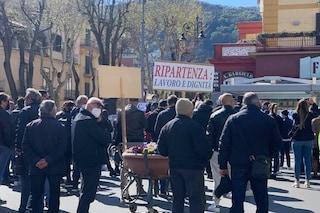 Crisi Covid, da Sorrento a Capri protesta dei lavoratori del turismo: in piazza anche chef stellati