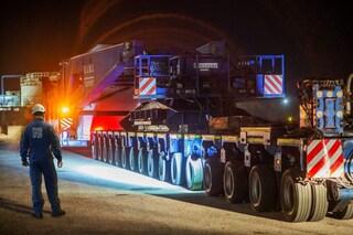 Arriva in Campania il megacompensatore per la Stazione Elettrica: pesa 260 tonnellate, lungo 86 metri