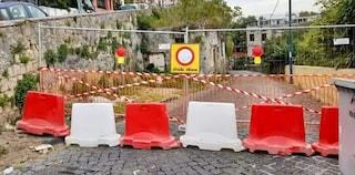 Salita Moiariello a Capodimonte chiusa da 2 settimane per un muro pericolante, protesta dei residenti