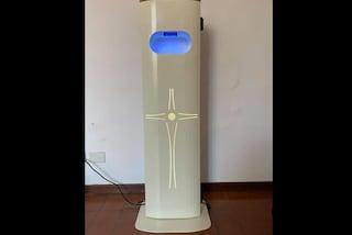 In chiesa arriva l'acquasantiera elettronica anti-Covid19 inventata da un napoletano
