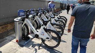 Vi spiego perché il bike sharing di Q8 a Napoli è ecologismo di facciata col benestare del Comune