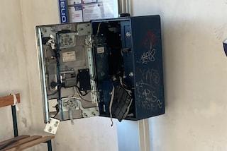 Ladri nella stazione della funicolare di Montesanto, scassinata la macchinetta dei biglietti
