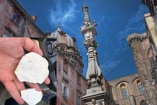 Napoli, l'obelisco di San Gennaro ai Tribunali cade a pezzi