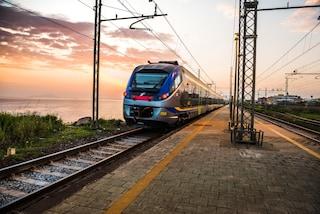 Muore sul treno mentre va in vacanza in Cilento: tragedia nel Salernitano