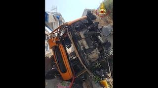 Bus precipitato a Capri, come stanno i feriti in ospedale: gravi ma stabili, uno desta preoccupazione