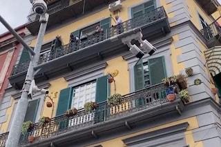 Bimbo cade dal terzo piano a Napoli, Cannio davanti al gip per la morte del piccolo Samuele