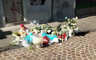 Bimbo morto a Napoli dopo caduta dal balcone, a che punto sono le indagini per omicidio