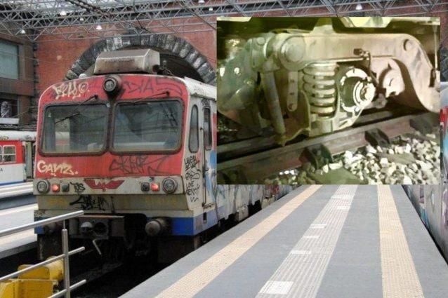 """Treno della Cumana cade dai binari a Montesanto, panico e rabbia tra i passeggeri: """"Nessun rimborso"""""""