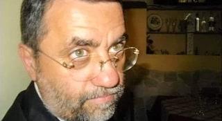 Bernardo Cozzolino, il medico dei poveri morto di Covid: i funerali nella sua Ercolano