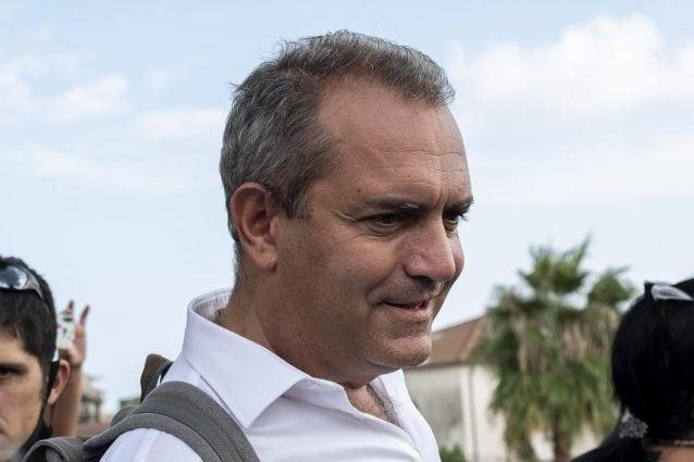 """De Magistris, 78mila euro per il fine mandato. L'ex sindaco replica: """"Con la politica non ti arricchisci, ci rimetti"""""""