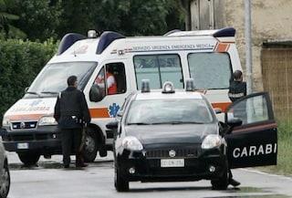 Furgone investe coppia a Calvizzano e scappa, gravi in ospedale anziani coniugi