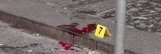 Bosco di Capodimonte, spari in pieno giorno davanti a tutti: gambizzato 19enne