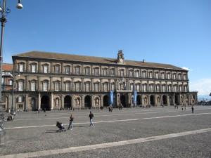 Palazzo Reale di Napoli, dal lato di Piazza del Plebiscito.