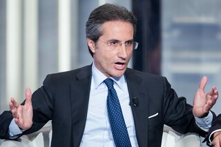 """Campania, scontro sui fondi per la crisi. Caldoro: """"La Regione non ha messo un euro"""""""