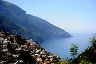 Si sente male mentre nuota in mare, turista canadese affoga in Costiera Amalfitana