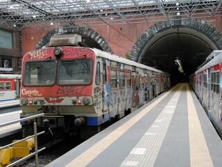 Eav, fermi i treni della Cumana e della Circumflegrea nell'ora di punta