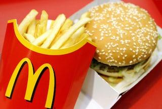 McDonald's assume 70 persone a Salerno: in centinaia sul lungomare per i colloqui