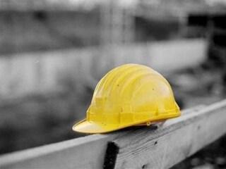 Tragedia nel Sannio: cede lo scavo, operaio muore travolto