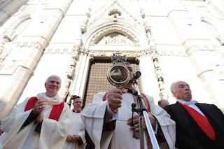 San Gennaro: il 16 dicembre è il giorno del 'miracolo laico', quando il Vesuvio si fermò