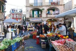 In Campania i mercati alimentari riaprono lunedì 11 maggio. Guanti e mascherine obbligatori
