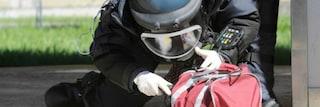 Napoli: bomba davanti all'abitazione di un pregiudicato, intervengono gli artificieri