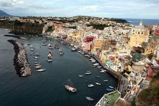 Procida incanta la Cnn: Marina della Corricella tra le 20 Meraviglie d'Italia