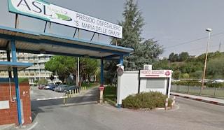 Pozzuoli, si suicida con una pistola nel parcheggio dell'ospedale Santa Maria delle Grazie
