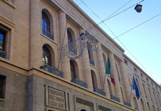 Addio al Banco di Napoli: la storia del saccheggio del Mezzogiorno