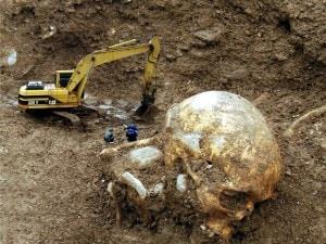 Il presunto teschio di uno scheletro gigante di Marcianise (Caserta): una clamorosa bufala.