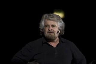 """Video di Beppe Grillo, da De Luca attacco frontale: """"Parole sconvolgenti, chieda scusa"""""""