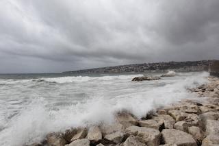 Allerta meteo in Campania, c'è la proroga: maltempo e forte vento fino a martedì. Ecco dove