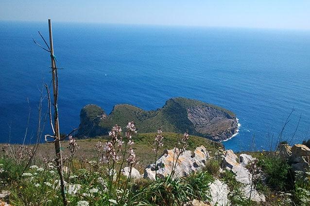 Vista dal Monte S. Costanzo della Baia di Ieranto, Sorrento